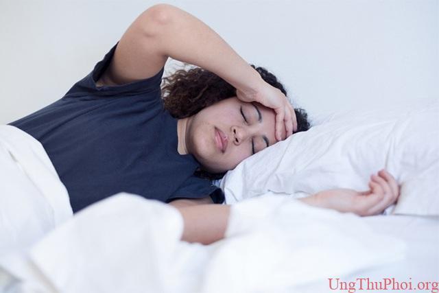Điểm khác lạ trong khi ngủ cảnh báo bệnh ung thư - 1