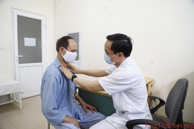 Người đàn ông lần lượt mắc hai loại ung thư amidan và ung thư thực quản - 2