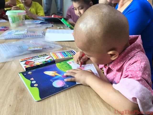Lớp học Hạnh phúc trong Bệnh viện K dành cho bệnh nhi ung thư - 4