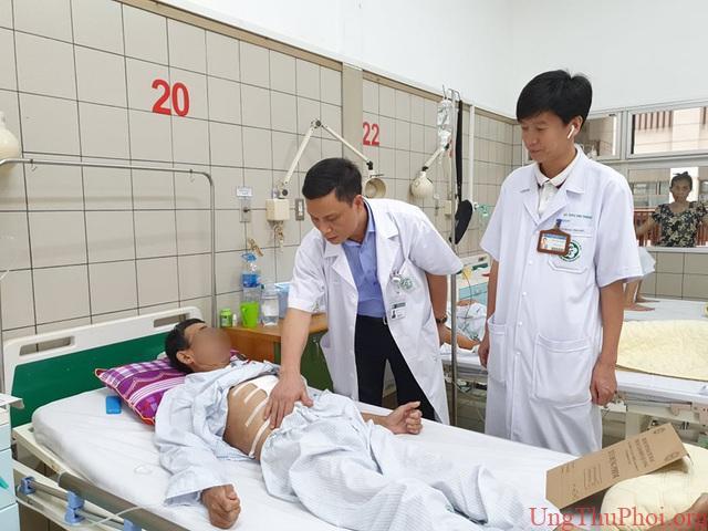 Cùng lúc ung thư dạ dày, thực quản vì 2 thói quen khó bỏ của nam giới Việt - 1
