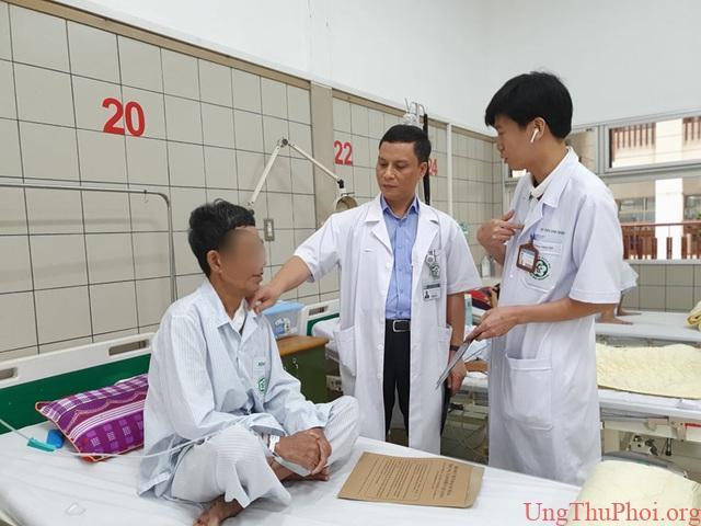 Cùng lúc ung thư dạ dày, thực quản vì 2 thói quen khó bỏ của nam giới Việt - 2