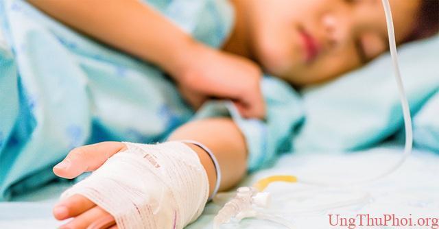 Cậu bé 10 tuổi mắc ung thư dạ dày và lời cảnh tỉnh cho bố mẹ - 1
