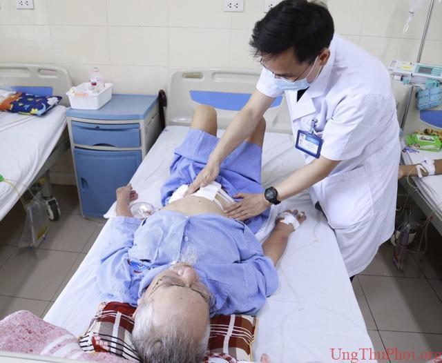 Hai bệnh nhân 90 tuổi được phẫu thuật thành công ung thư đường tiêu hoá - 2
